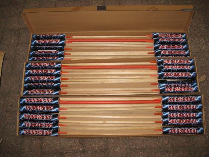 Honderden kilo's illegaal vuurwerk in Axel.