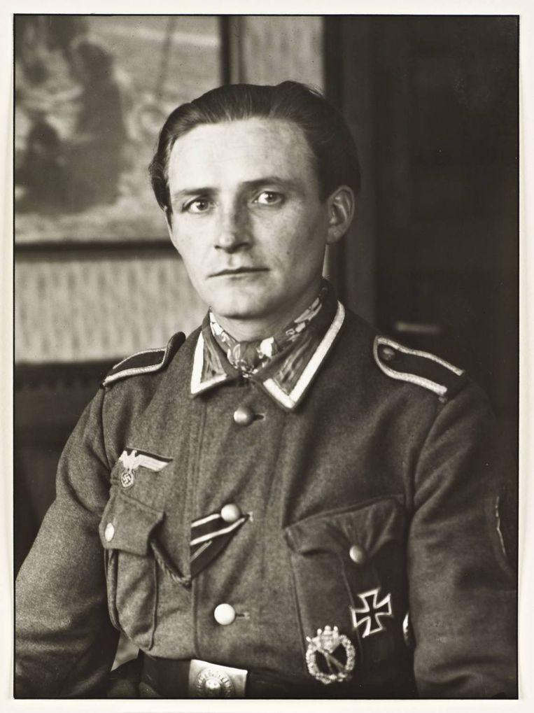 Nazi-officier, 1944, August Sander Beeld null