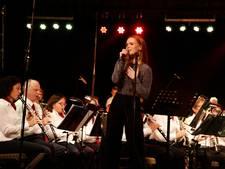 Isabel Provoost zingt met Koninklijke Harmonie Sint Cecilia uit Kloosterzande