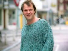 'Truienman' Hans Spekman opent tentoonstelling Dress to Impress in Pop-up Museum Oud Amelisweerd