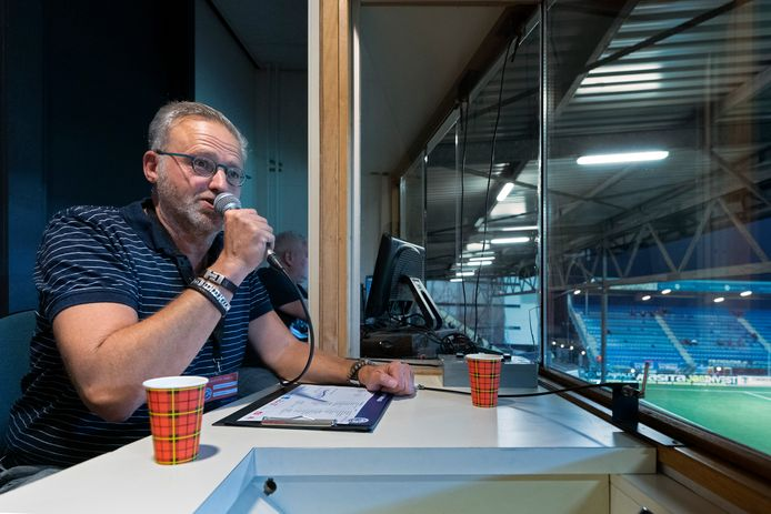 Stadionspeaker Hans van den Heuvel van voetbalclub FC Den Bosch.