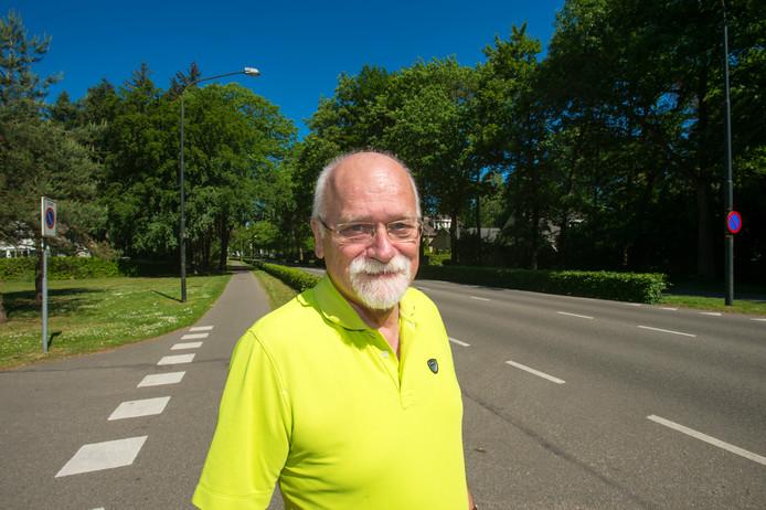 Hans Verkruijsse is naast omwonende van Apenheul ook emeritus-hoogleraar bestuurlijke informatieverzorging. Hij vindt dat Apeldoorn de beginselen van behoorlijk bestuur 'met voeten treedt'.