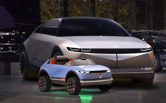 Deze Hyundai '45 Concept' groeit begin volgend jaar uit tot de Ioniq 5, het eerste productiemodel op de E-GMP-bodemplaat. De kleine trapautoversie is nu al te koop