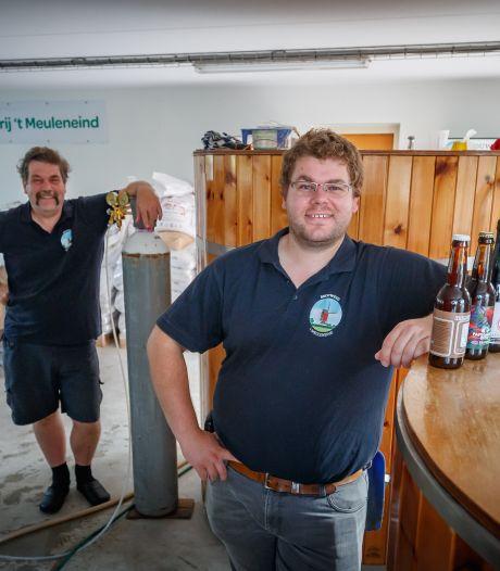 Hoevense vader en zoon zeggen baan op en beginnen bierbrouwerij