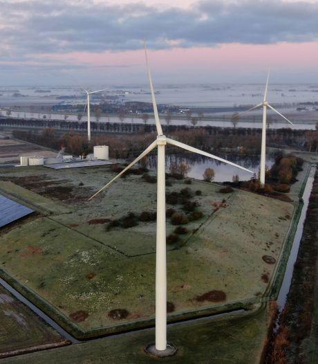 Altena schrijft Waalwijk: jullie windmolens worden te hoog