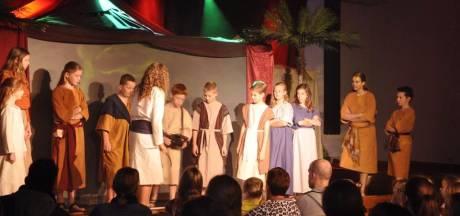 Musical 'Zandkinderen' in Sint Janskerk van Loon op Zand