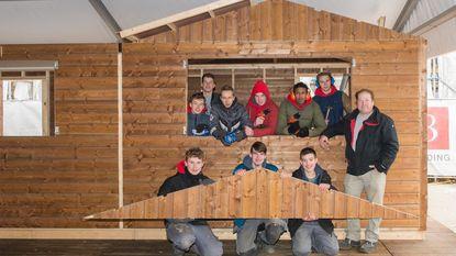Leerlingen VTI dragen steentje bij aan opbouw van schaatspiste
