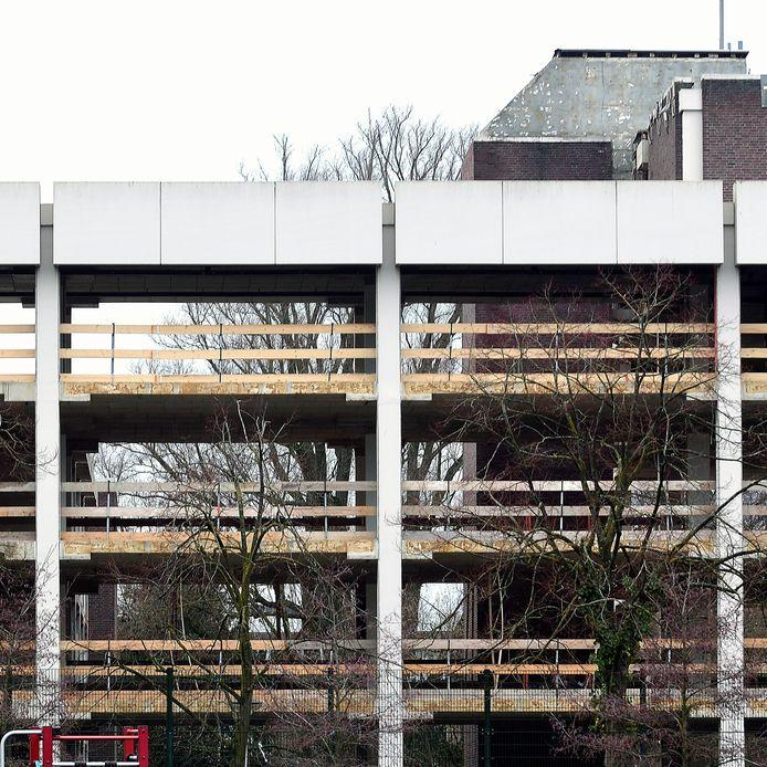 roosendaal - 20210111 - pix4profs/petervantrijen  look through stadskantoor
