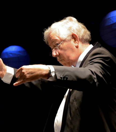 Dirigent Heinz Friesen nog één keer op de bok. In Concertzaal Tilburg