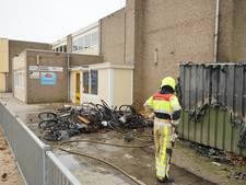 Brand in fietsenhok bij basisschool in Nijmegen
