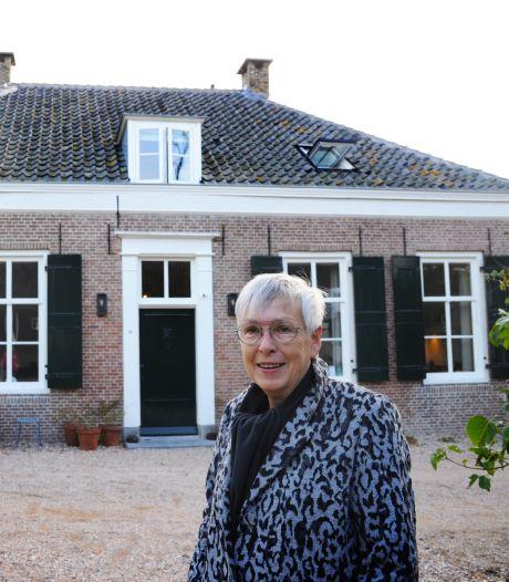 Domburgse Carla groeide op met grootouders en oudooms in huis: 'Er waren veel ogen op mij gericht'