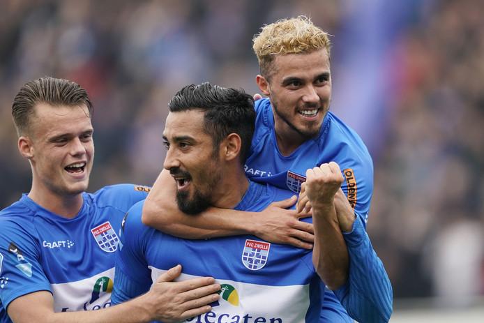 PEC Zwolle heeft een belangrijke overwinning geboekt op ADO Den Haag in de strijd om handhaving in de Eredivisie.