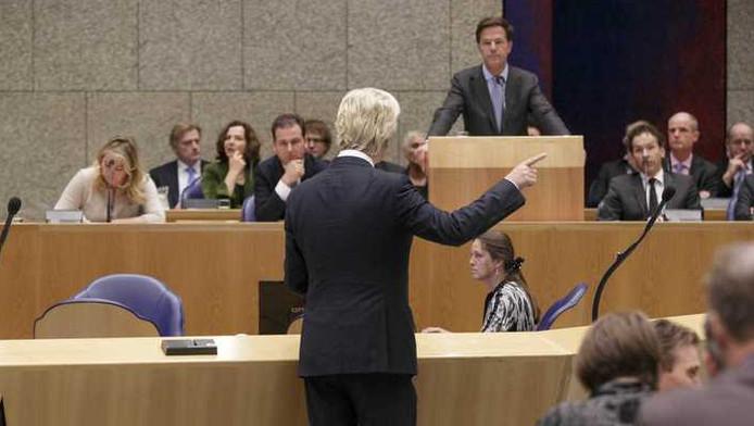 Geert Wilders voert oppositie tegen premier Rutte.