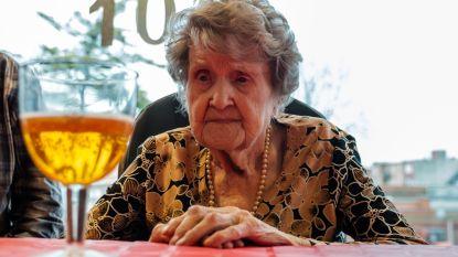 """VIDEO. Cecile (106) is oudste inwoonster van Antwerpen: """"Een goede trappist of een pintje heb ik nooit afgeslagen"""""""