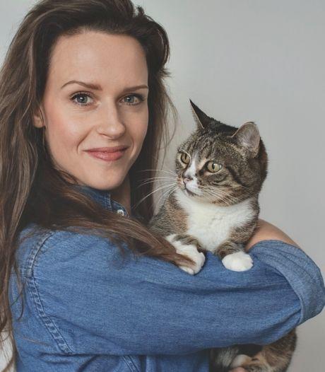 Geboren Zwolse schrijft kinderboek over populariteit van katten