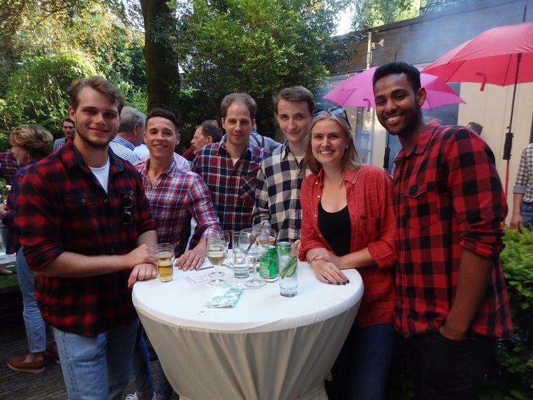 Team Hammerstein Advocaten, in bedrijfskleding: Stijn Winters, Eric Horssius, Martijn Goedhart, Joris Jas, Charlotte Smits en Gilmar Baboolal Beeld Schuim