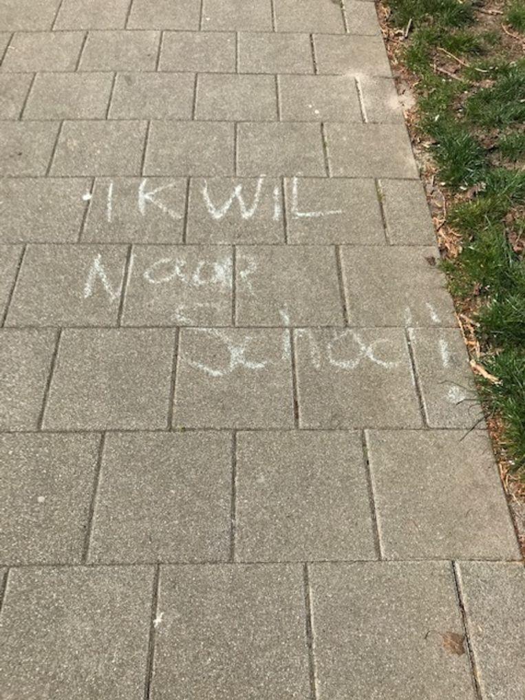 Een anoniem Rotterdams kind vatte zijn of haar gemoedstoestand zo samen.   Beeld Tricia Bots