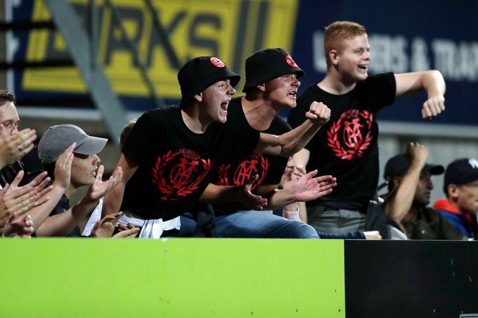 Helmond Sport-fans tijdens een wedstrijd tegen FC Volendam