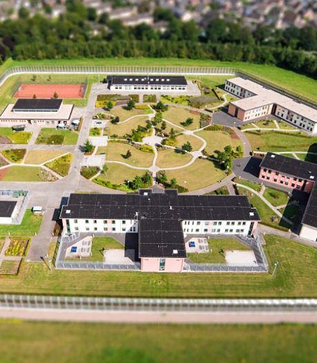 Net over de grens: gedetineerden ontsnappen na gijzeling uit Duitse kliniek
