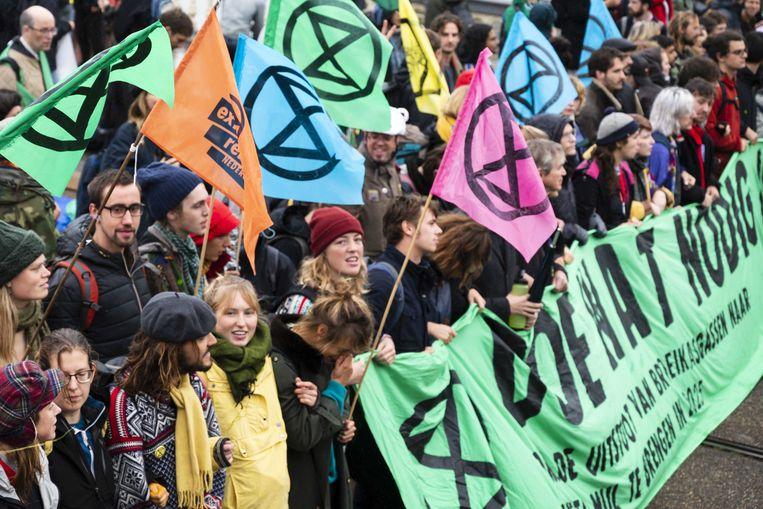 Klimaatactivisten van Extinction Rebellion betogen in Amsterdam