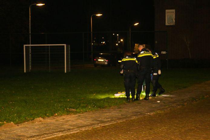 Politie doet onderzoek na steekpartij aan Javalaan in Zwijndrecht.