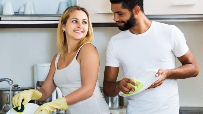 Meer seks voor koppels die samen schoonmaken