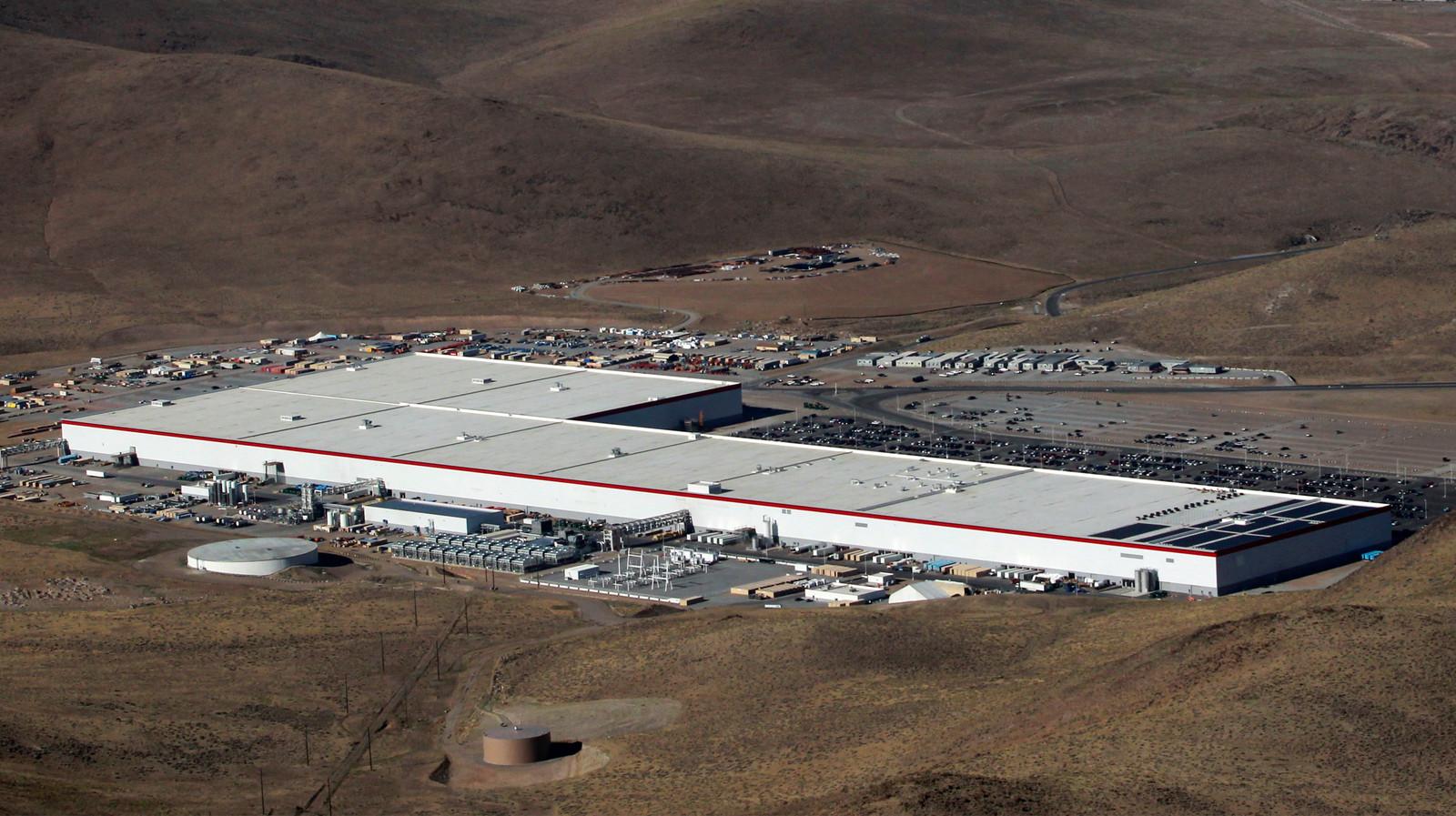 De Gigafactory van Tesla bij Sparks, in de Amerikaanse staat Nevada