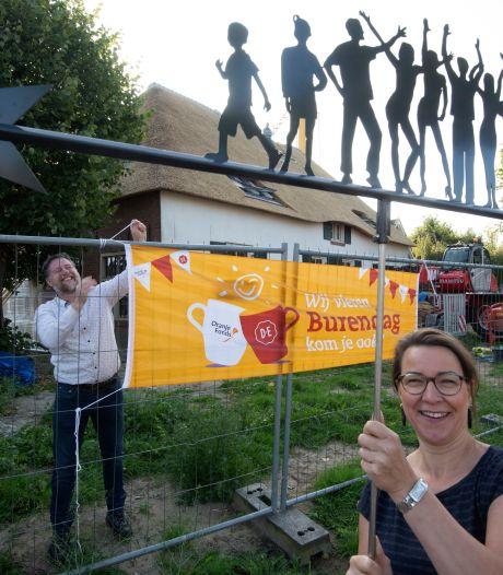 Windvaantje op gezinshuis De Grote Geer in Houten zegt: 'Alle kinderen hebben recht op een veilig thuis'