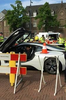 Aanpak van criminaliteit: 'Rijdt werkloze buurman in dure auto? Meld het!'