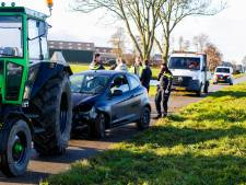 Boeren op trekkers schieten vrouw te hulp die met auto in het water belandt in Nieuw-Lekkerland