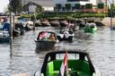 Drimmelen - Pix4Profs/René Schotanus. Drukte bij de bootjesverhuur in de oude haven van Drimmelen.
