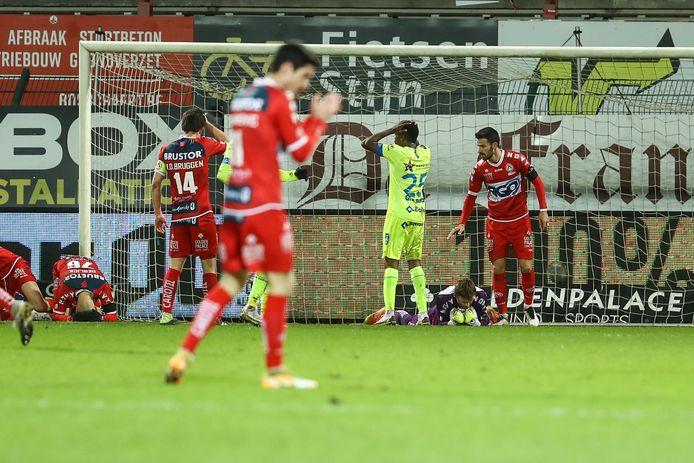 Ongeloof bij AA Gent, opluchting bij KVK. Ilic hield zijn netten negentig minuten lang schoon.