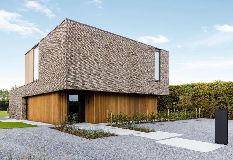 In deze kijkwoning opgetrokken in houtskeletbouw garandeert Dewaele extra stevigheid door te werken met LVL-balken.