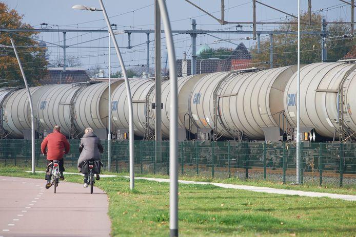 De komende jaren wordt het spoor tussen Meteren en Boxtel geschikt gemaakt voor meer goederenvervoer.