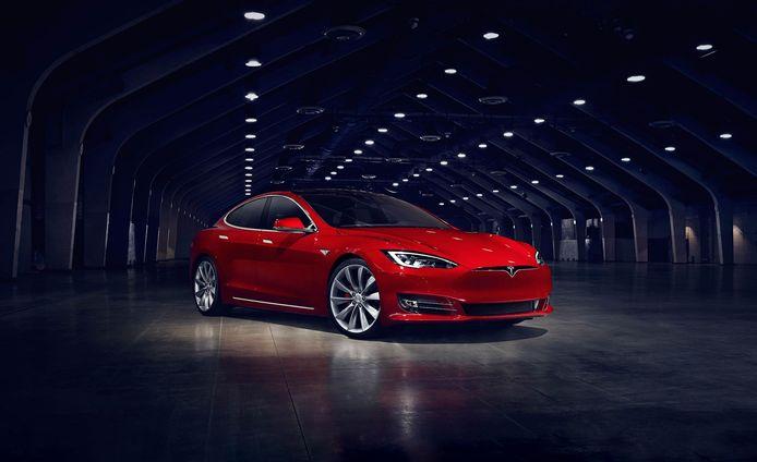 Tesla Model S: volledig elektrisch, maar wel erg duur