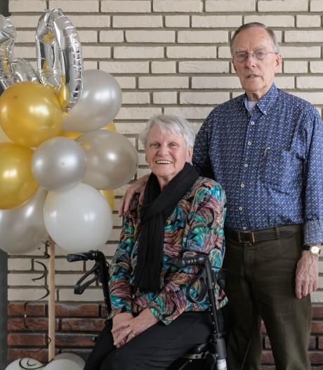 Het 60-jarig huwelijksjubileum van Wierdens echtpaar is sober feestje geworden