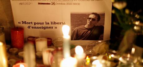 Minuut stilte of vlag halfstok op Nederlandse scholen om vermoorde Franse docent te herdenken