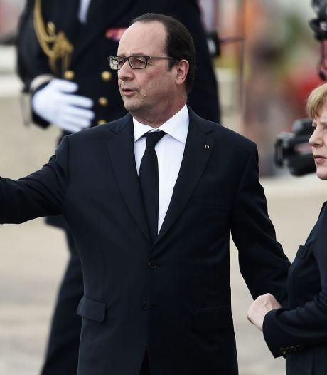 """Hollande et Merkel appellent à protéger l'Europe, un """"espace fragile"""""""