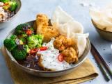 Wat Eten We Vandaag: Gefrituurde kipvleugels met hoisin en rijstnoedels