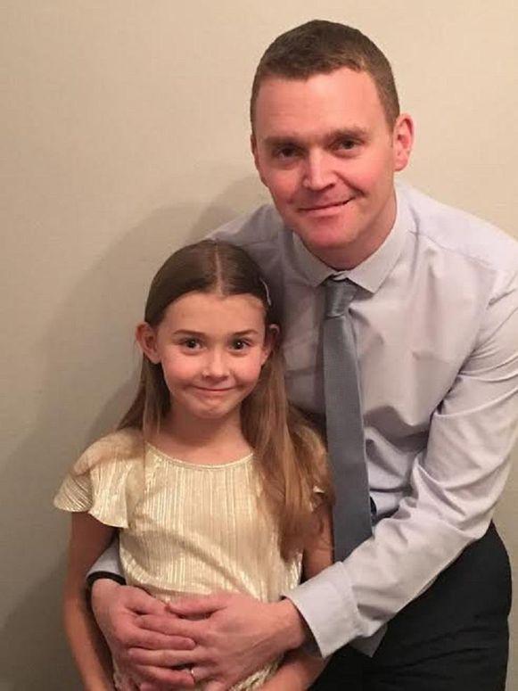 Chloe Bridgewater met haar papa Andy.