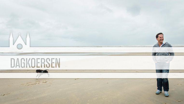 Rutte ging vorig jaar eind augustus met zijn ministersploeg naar het strand ter aftrap van het politieke seizoen. Beeld ANP