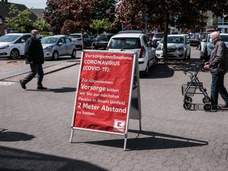 Duitsland wil huizen arbeidsmigranten controleren  na sluiting slachterij Groenlo vanwege corona