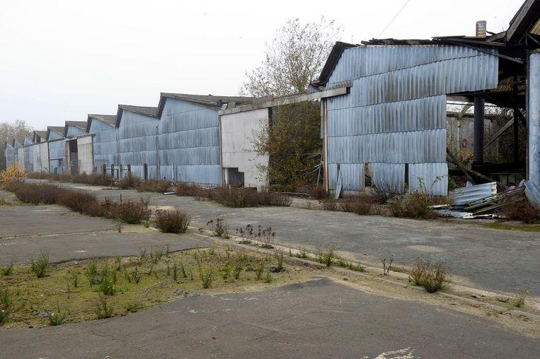 Voor er een sanering kan starten, moeten eerst de gebouwen nog afgebroken worden en moet een bodemonderzoek plaatsvinden.