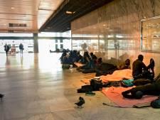 """Les ONG dénoncent une """"mascarade électorale"""" à la gare du Nord: """"On s'est complètement fait utiliser"""""""