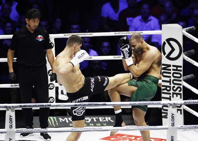 Rico Verhoeven en Badr Hari maakten er een schitterend gevecht van, totdat Hari geblesseerd uitviel.