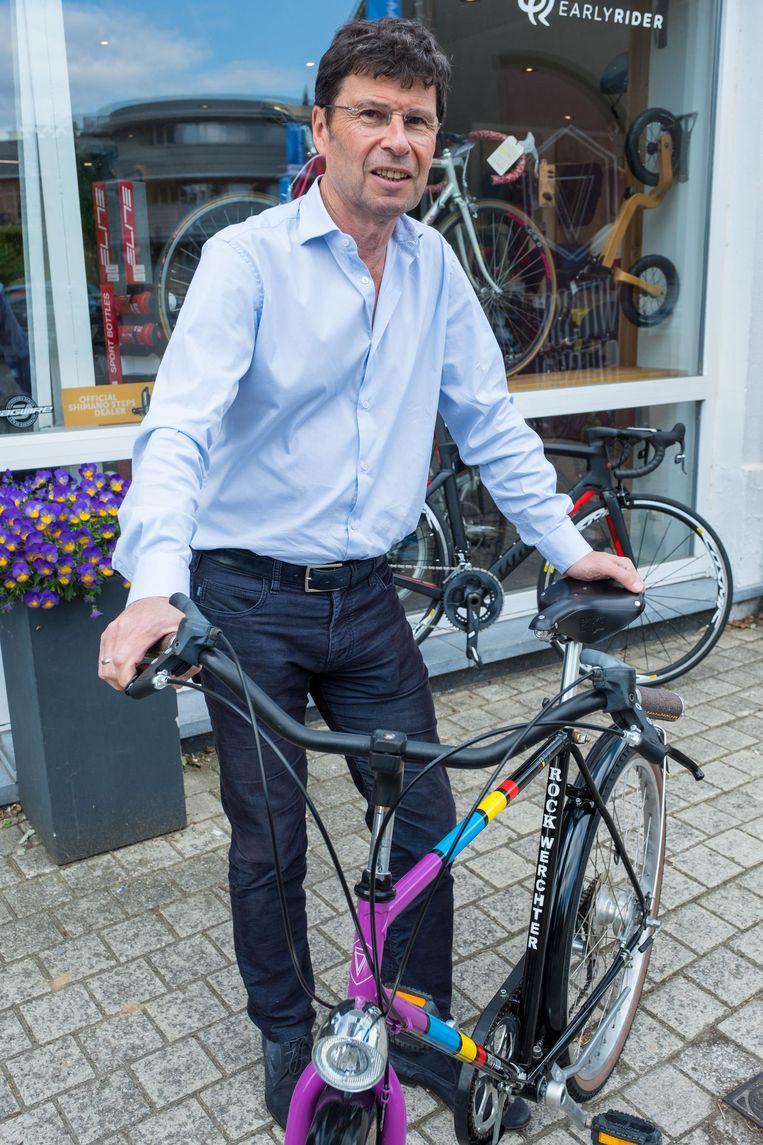 Dirk Claes met zijn 'gerestylde' Rock Werchterfiets.