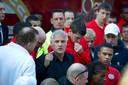PSV-trainer Fred Rutten staat in 2012 boze fans te woord na de 3-1 nederlaag op bezoek bij NAC Breda. Een dag later werd de coach ontslagen.