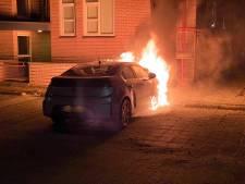 Buurt in Ermelo wordt weer eens opgeschrikt door een autobrand