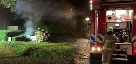 Auto zwaar beschadigd door brand in 's-Heerenberg
