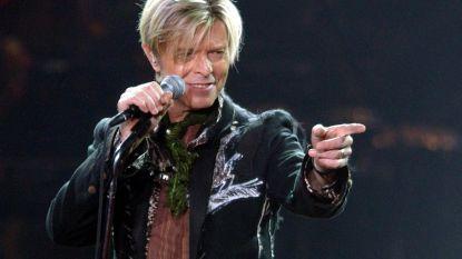 Het eerste beeld van Johnny Flynn als David Bowie in biografische film 'Stardust' is er